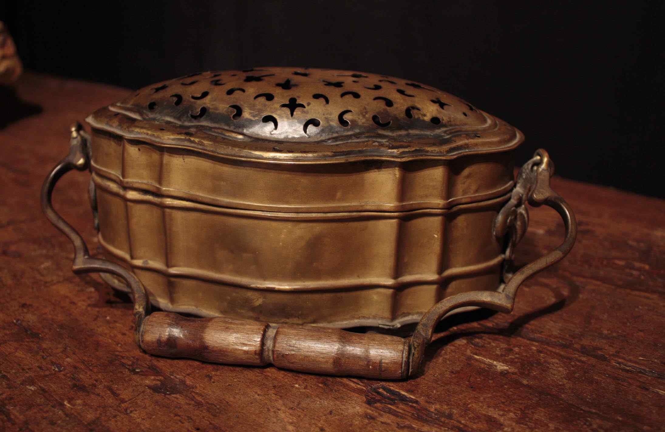 Brass Warmer Louis XIV