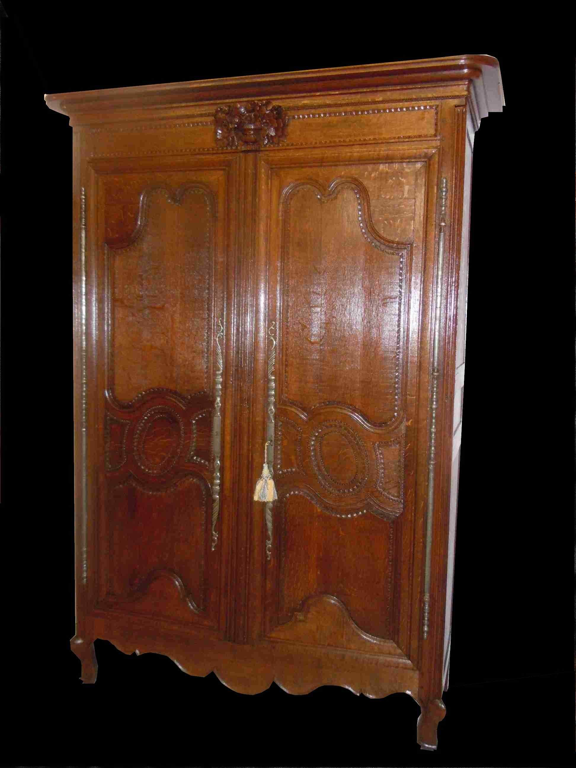 armoire normande de mariage sculpt e d 39 poque xviii si cle anticswiss. Black Bedroom Furniture Sets. Home Design Ideas