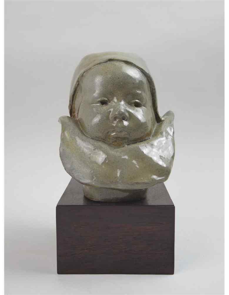 Bambino sul colletto, attribuito a Jean-Joseph Carriès. Aren