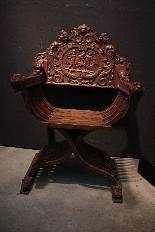 Savonarole chaise avec angelots siècle XIX-1