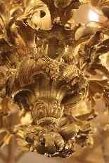 Important lustre rocaille en bronze à 30 feux, XIXe siècle-10