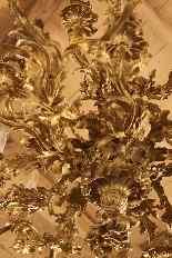 Important lustre rocaille en bronze à 30 feux, XIXe siècle-18