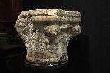 Capitello in pietra Botticino sec. XV-4