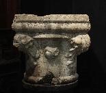 Capitello in pietra Botticino sec. XV-2