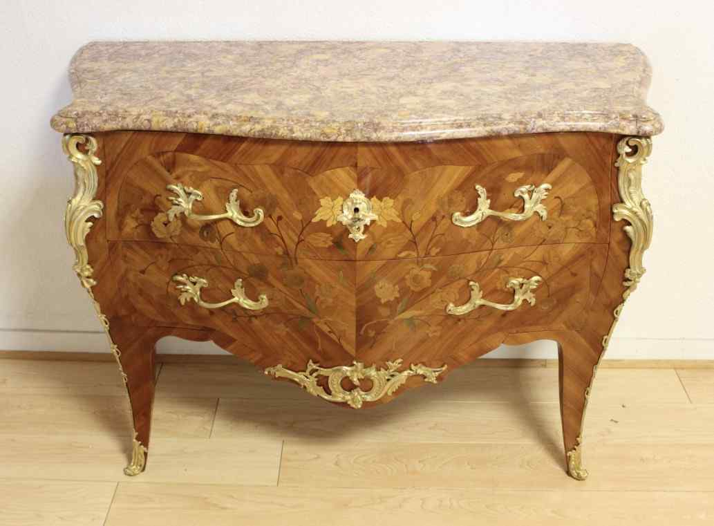 commode de style louis xv en marqueterie anticswiss. Black Bedroom Furniture Sets. Home Design Ideas