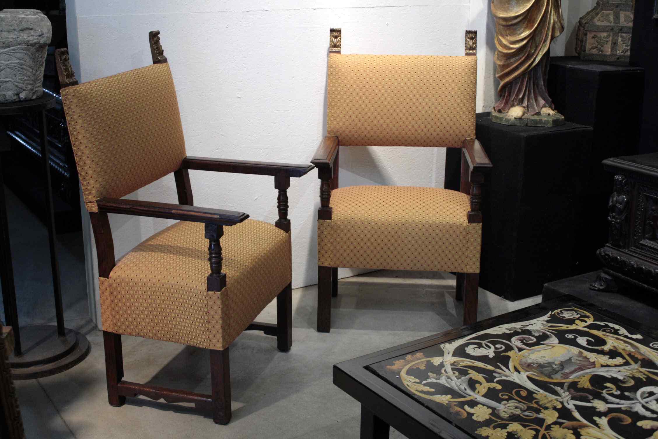 Sec Paire de fauteuils. XVI