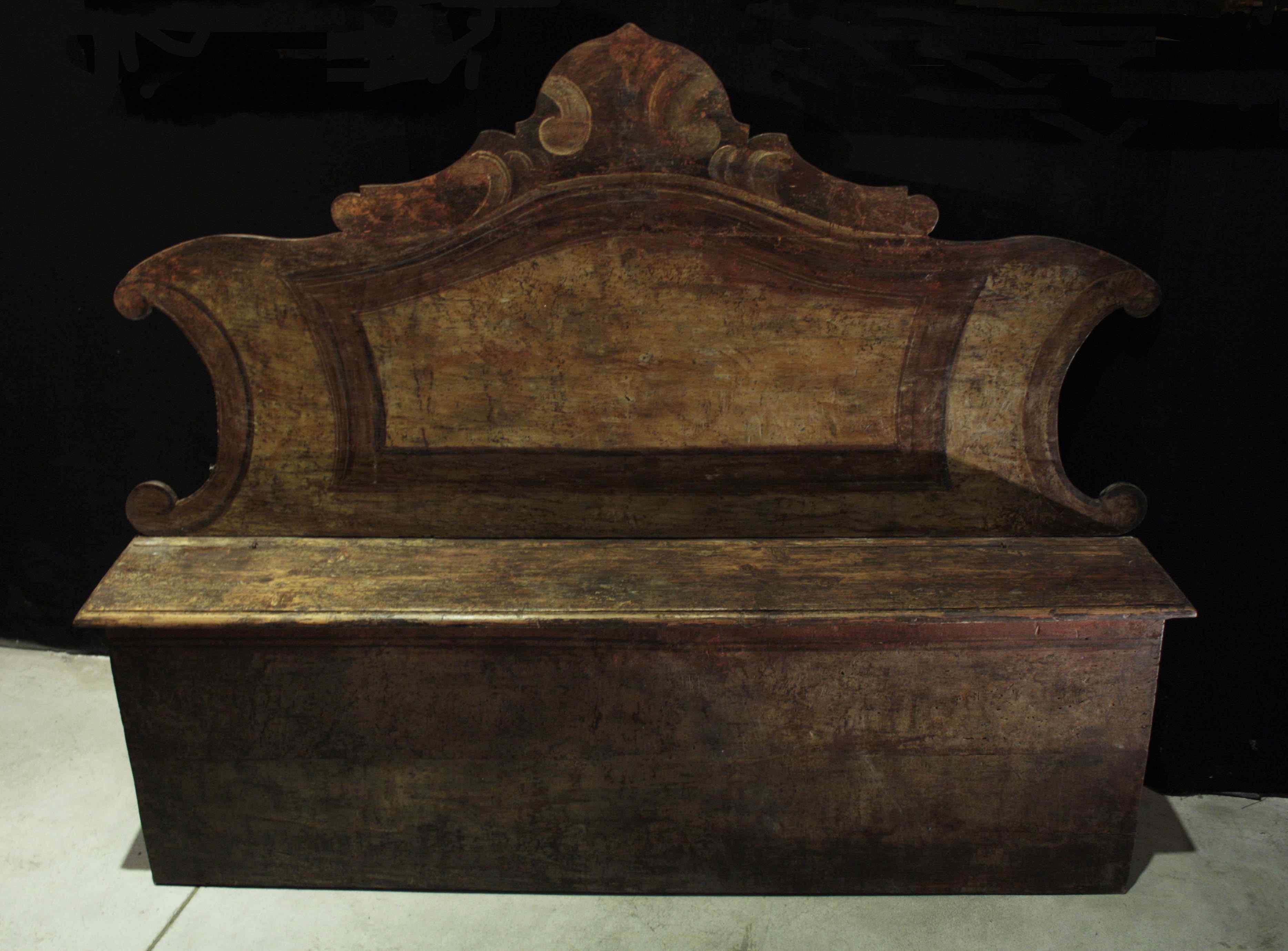 лакированная скамья Sec. XVII