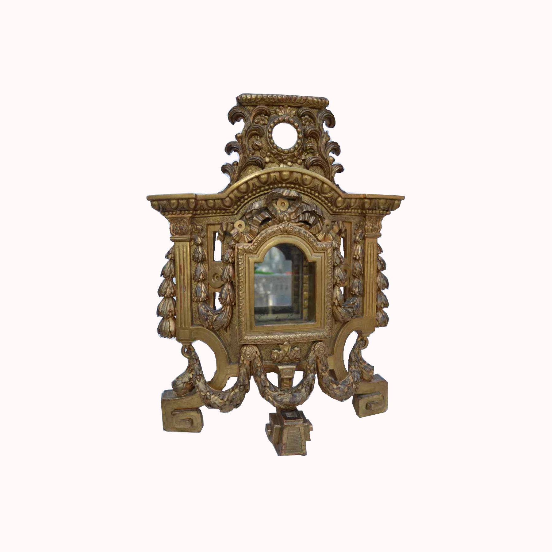 Large gilded wooden element, forming reliquary in its center