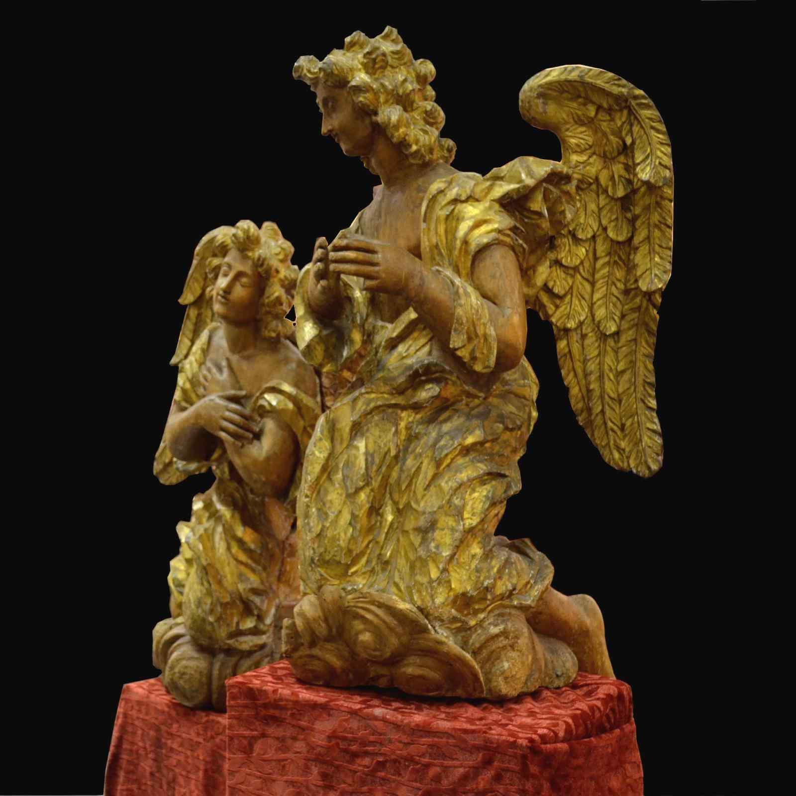 Coppia di grandi angeli del XVII secolo