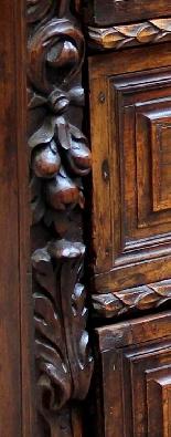 Бергамо, XVII век Walnut Dresser-1