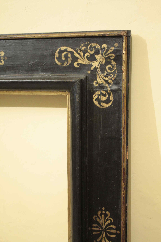 ebonized рамка с золотым орнаментом, с. XVII