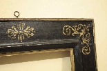 ebonized рамка с золотым орнаментом, с. XVII-2