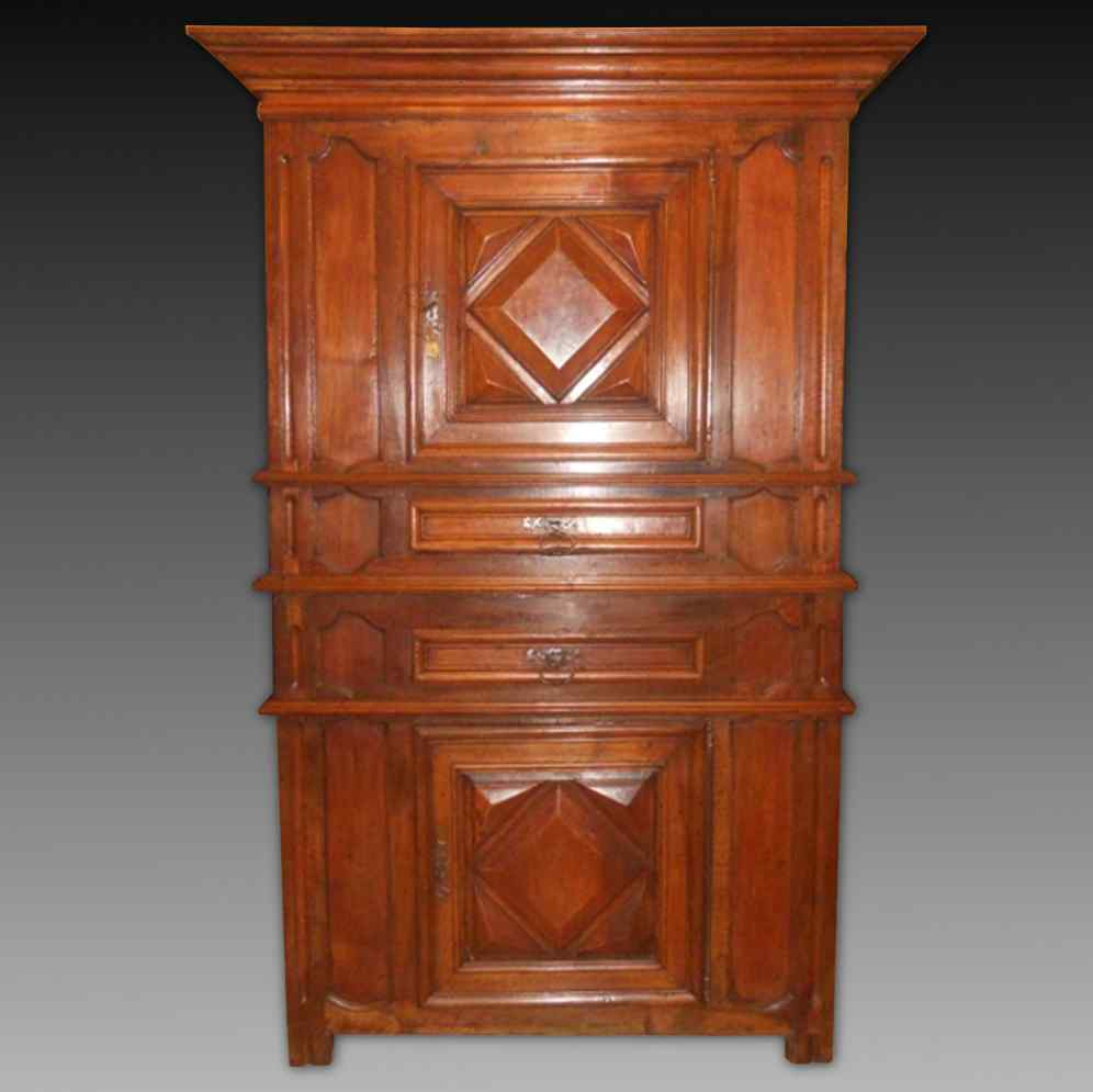 Antique Louis XIII Buffet Sideboard in walnut - 17th century