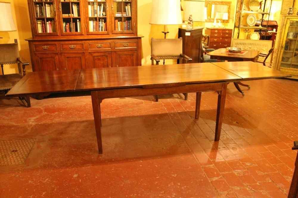 Table à 19 Rallonge Pied Louis XVI ème