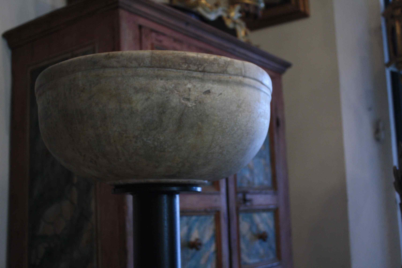 Fonte Battesimale in marmo