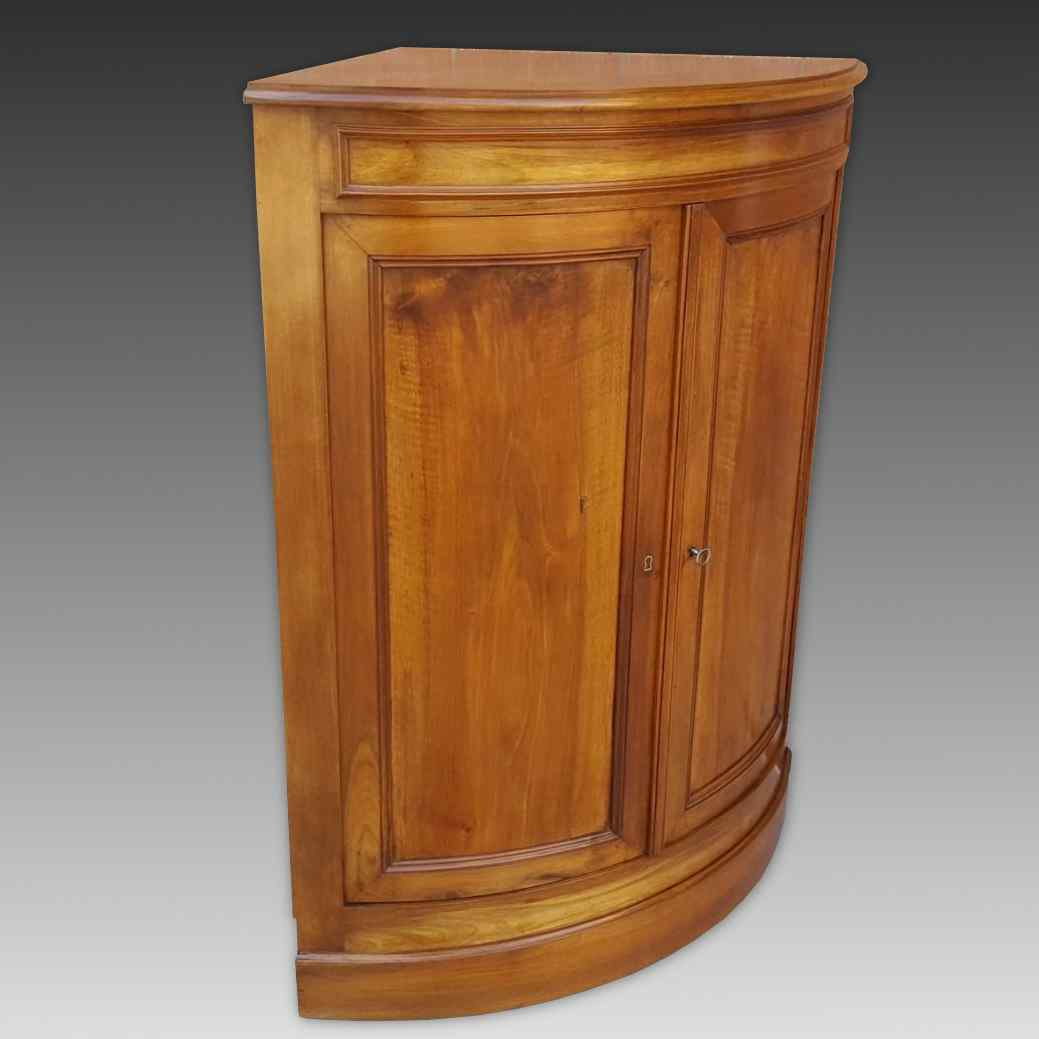 Antique Louis Philippe Corner Cabinet in walnut - 19th cent.