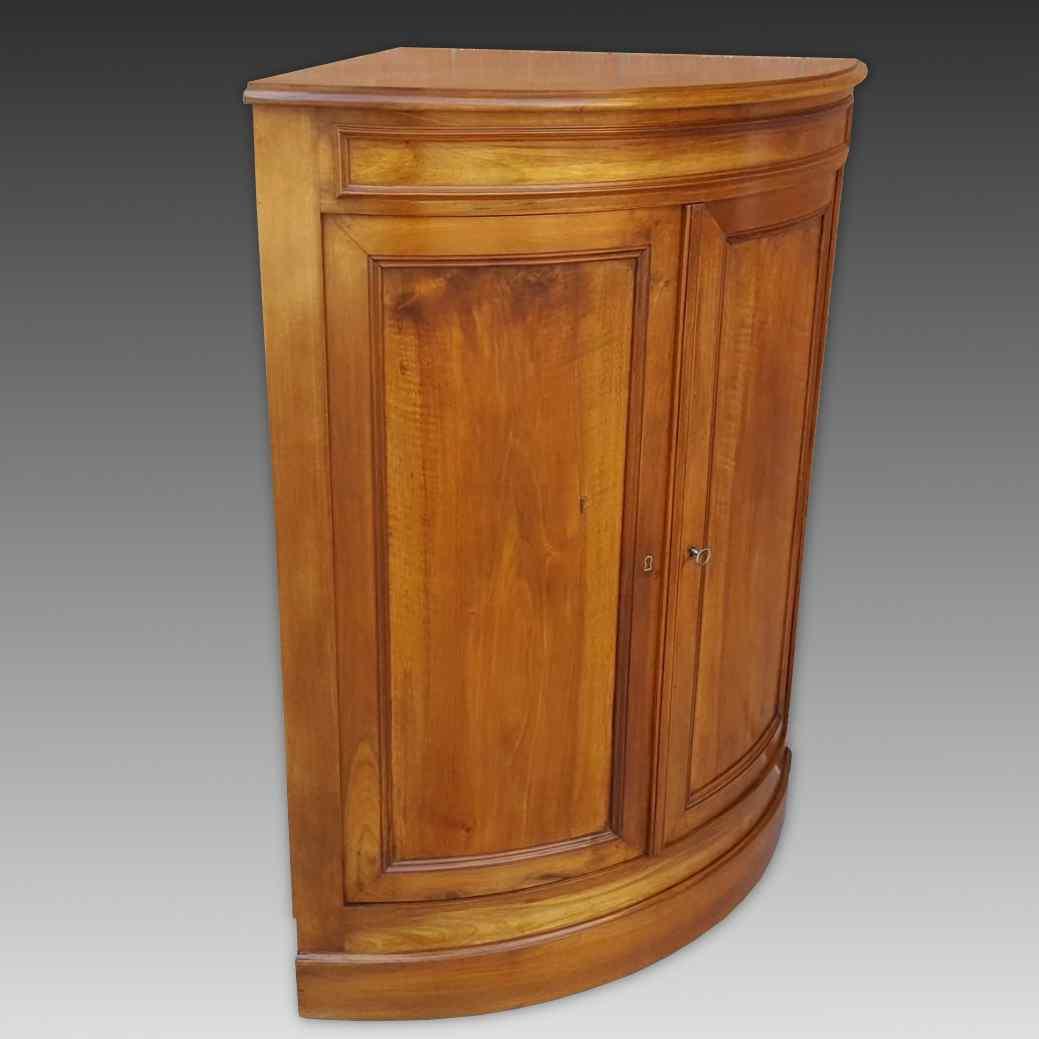 Antique Louis Philippe Corner Cabinet in walnut - 19th cent.