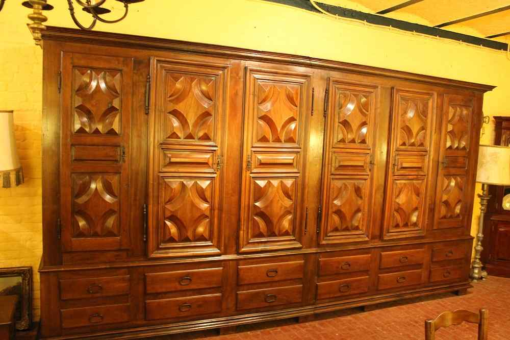 Sacristy chest 17 Ith Walnut 6 Doors