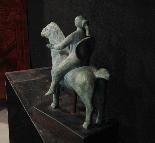 Scultura di donna a cavallo - sec XX-4