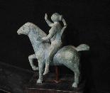 Scultura di donna a cavallo - sec XX-5