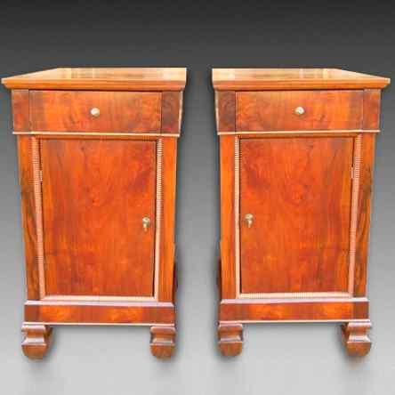 Ancien Paire Tables de Chevets Charles X -noyer-Italie 19ème