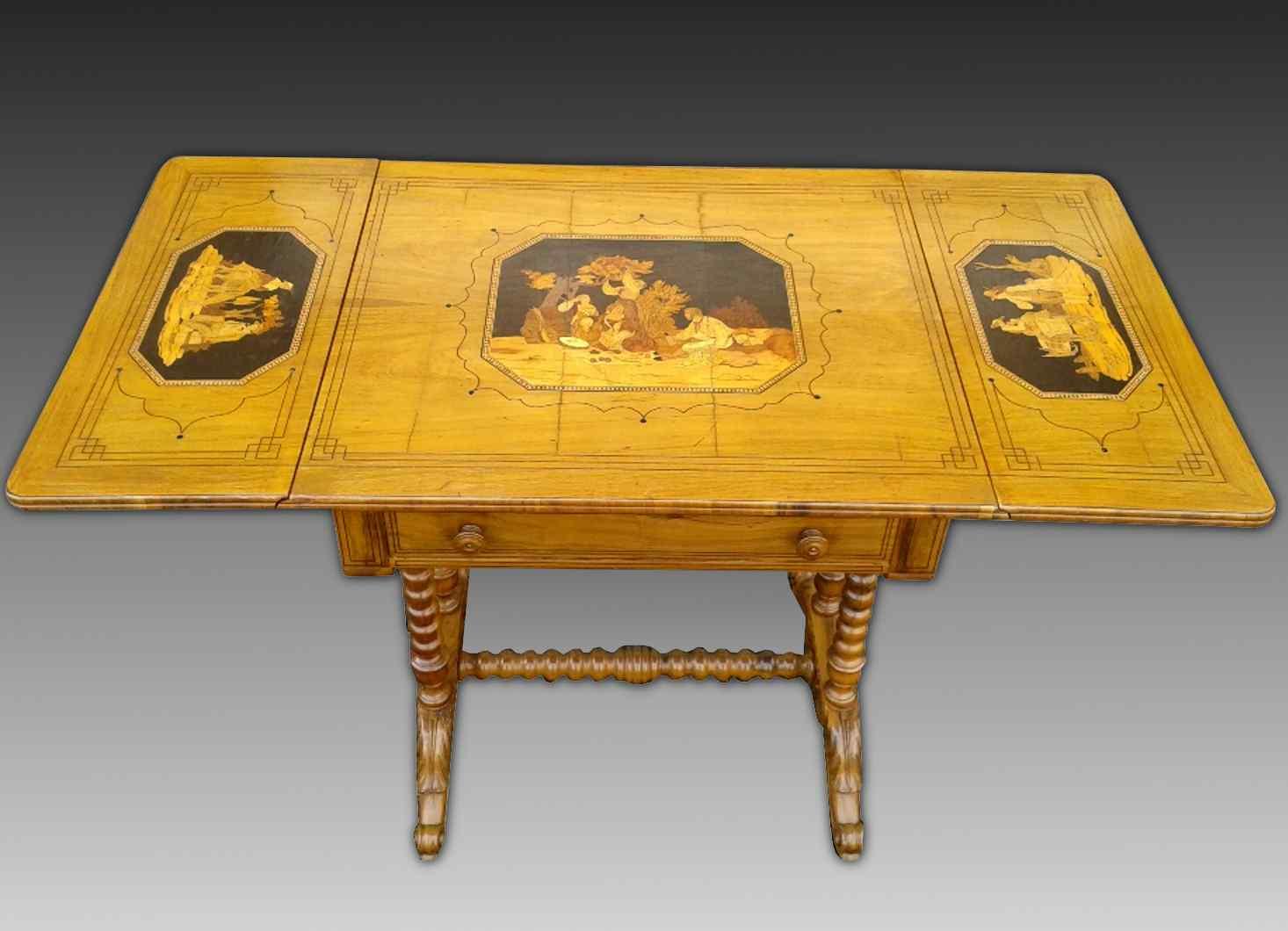 Antico Tavolino intarsiato - Italia XIX secolo