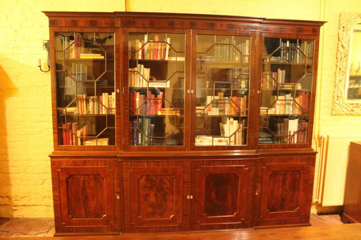 Great Library Eight Doors English