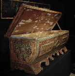 Lacquered wedding chest, Sec. XVI-6