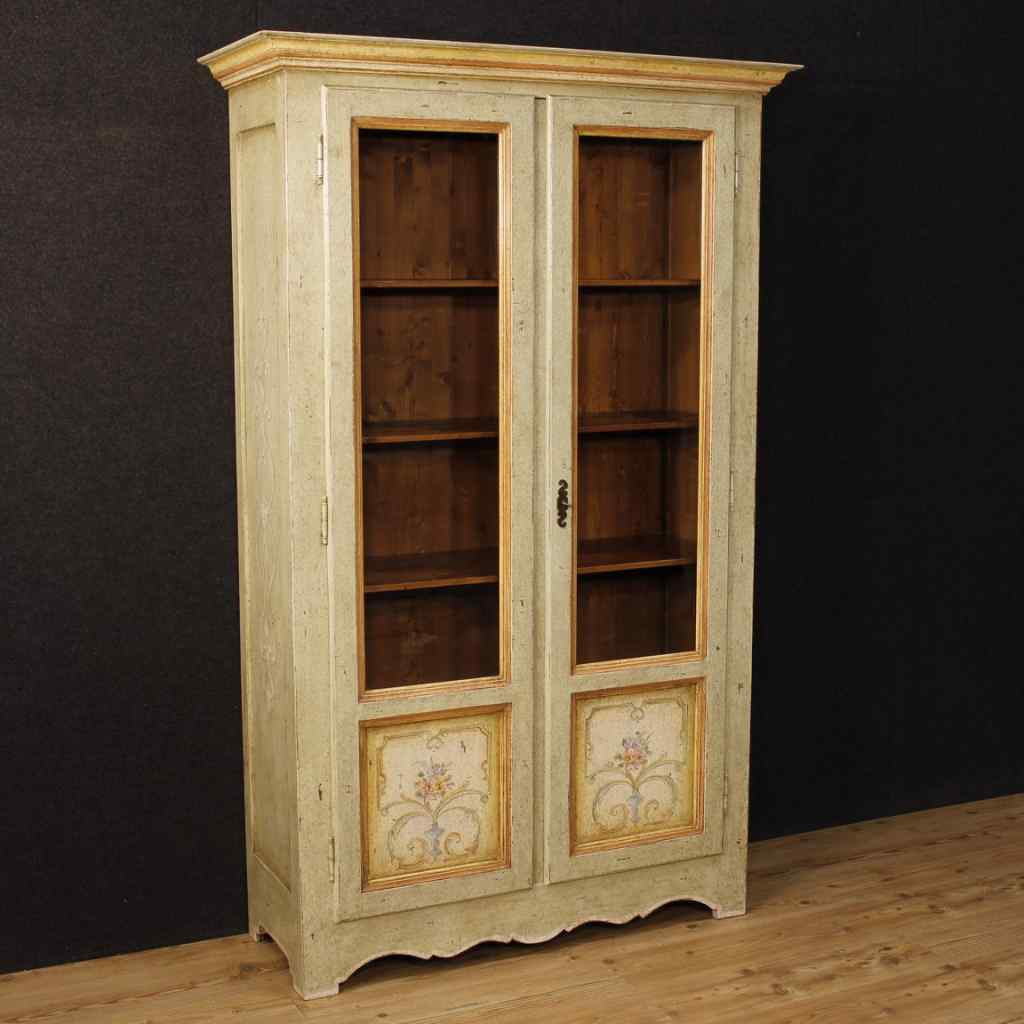Italian lacquered and painted vitrine with floral decoration