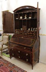 A 18TH CENTURY ITALIAN BUREAU BOOKCASE WITH FOLDING TOP-2