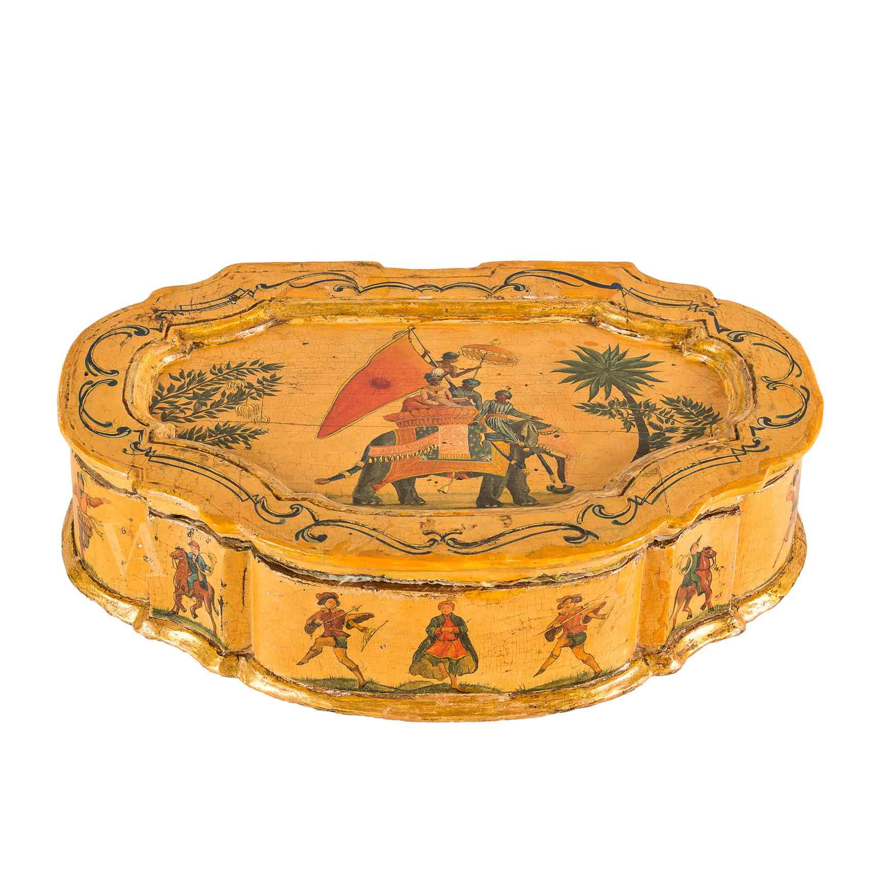 Lacquered shaped box with exotic motifs. Venice, 18th centur