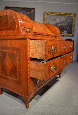Ribalta Luigi XVI intarsiata, Città di Trento, XVIII secolo-8