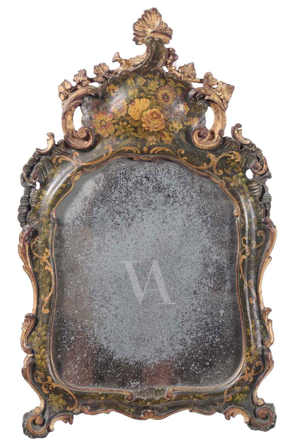 Specchierina intagliata laccata verde. Venezia, XVIII secolo