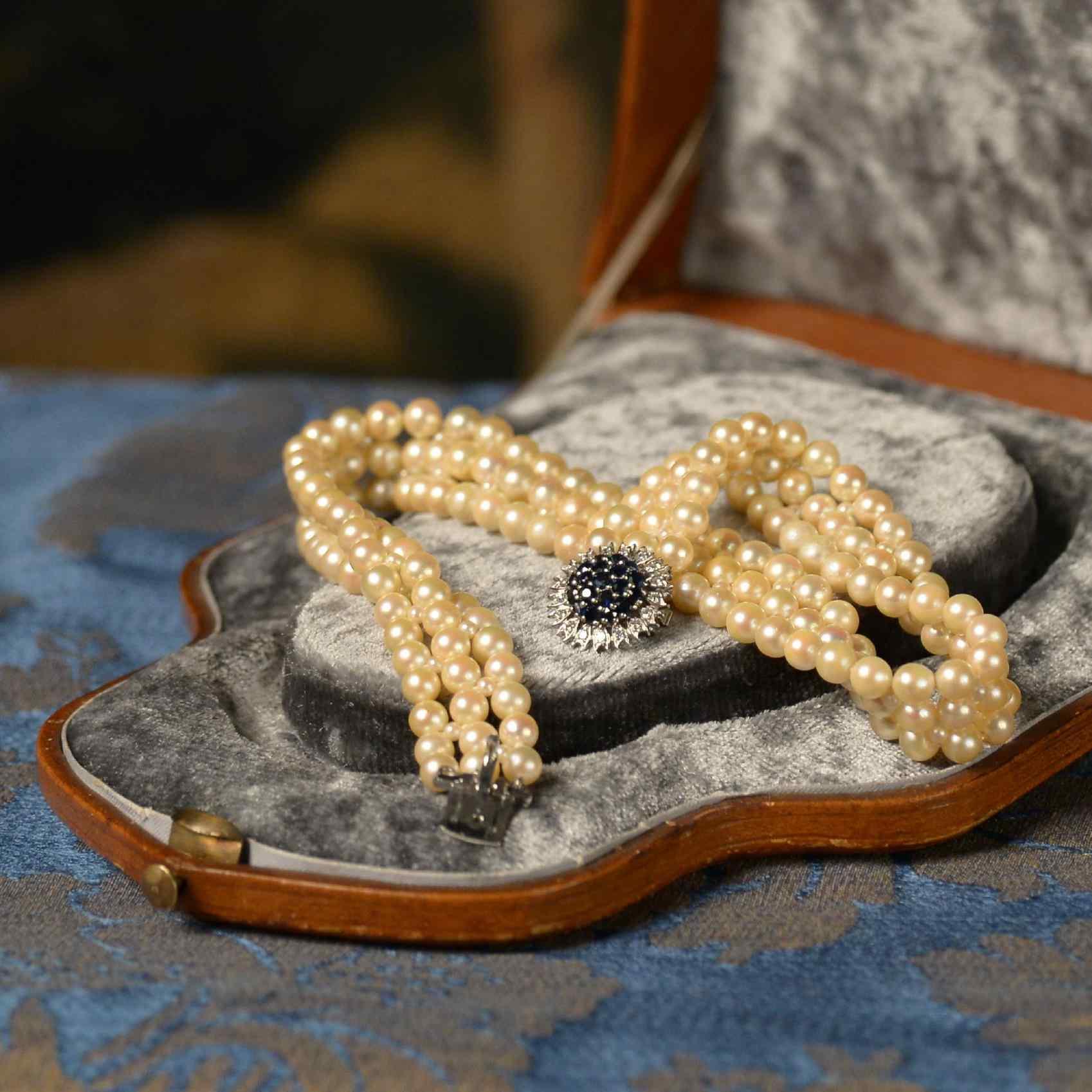 Collier de perles signée Mellerio dit Meller