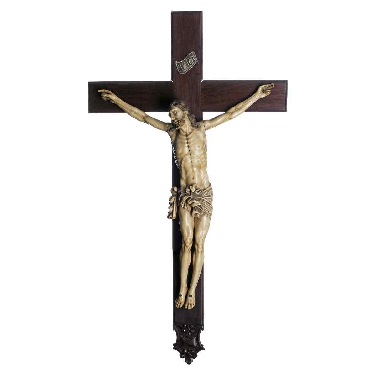 Important Italian Crucifix in Ivory of the 17th century. XVI
