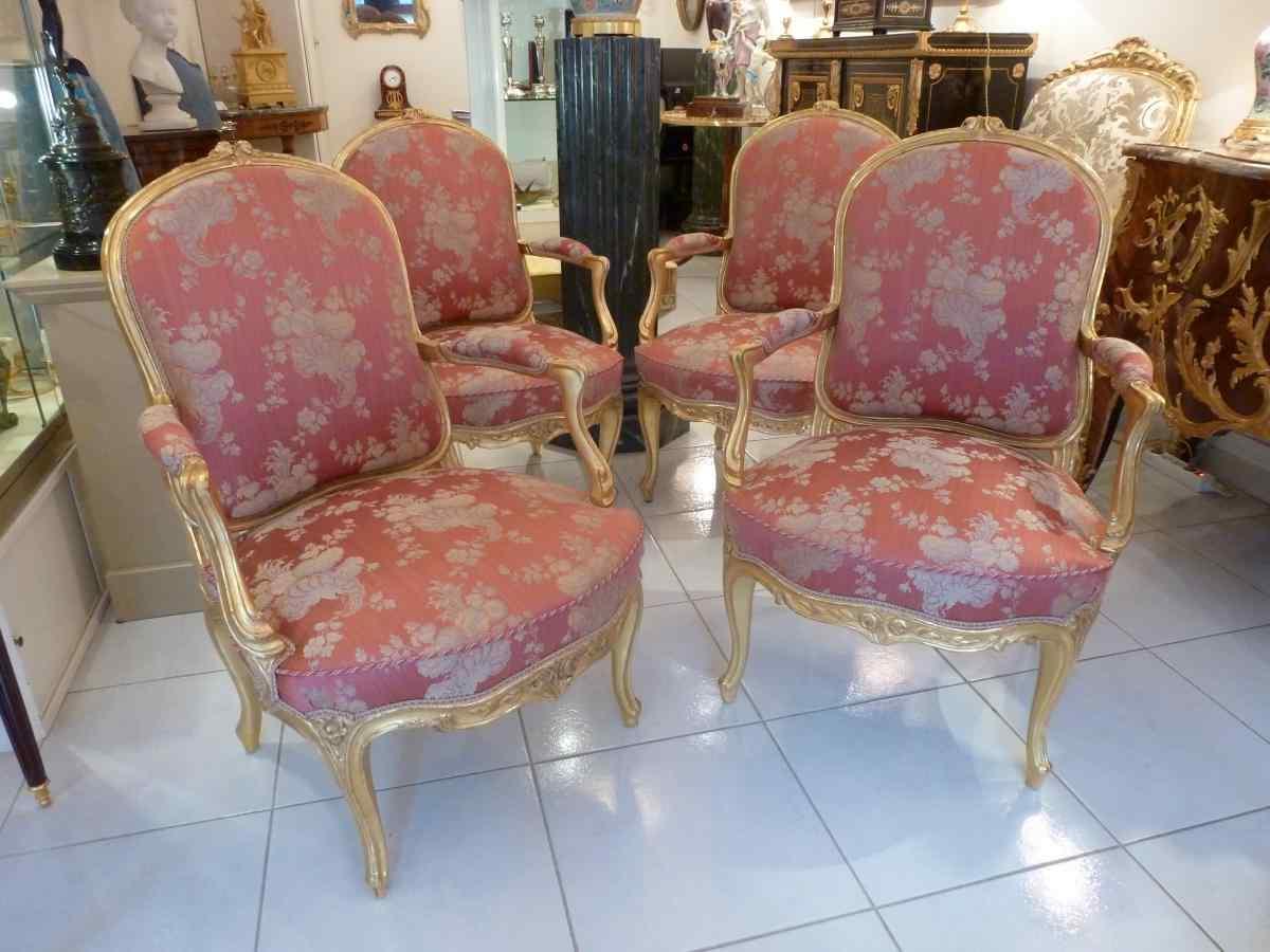 Suite de 4 fauteuils à la reine