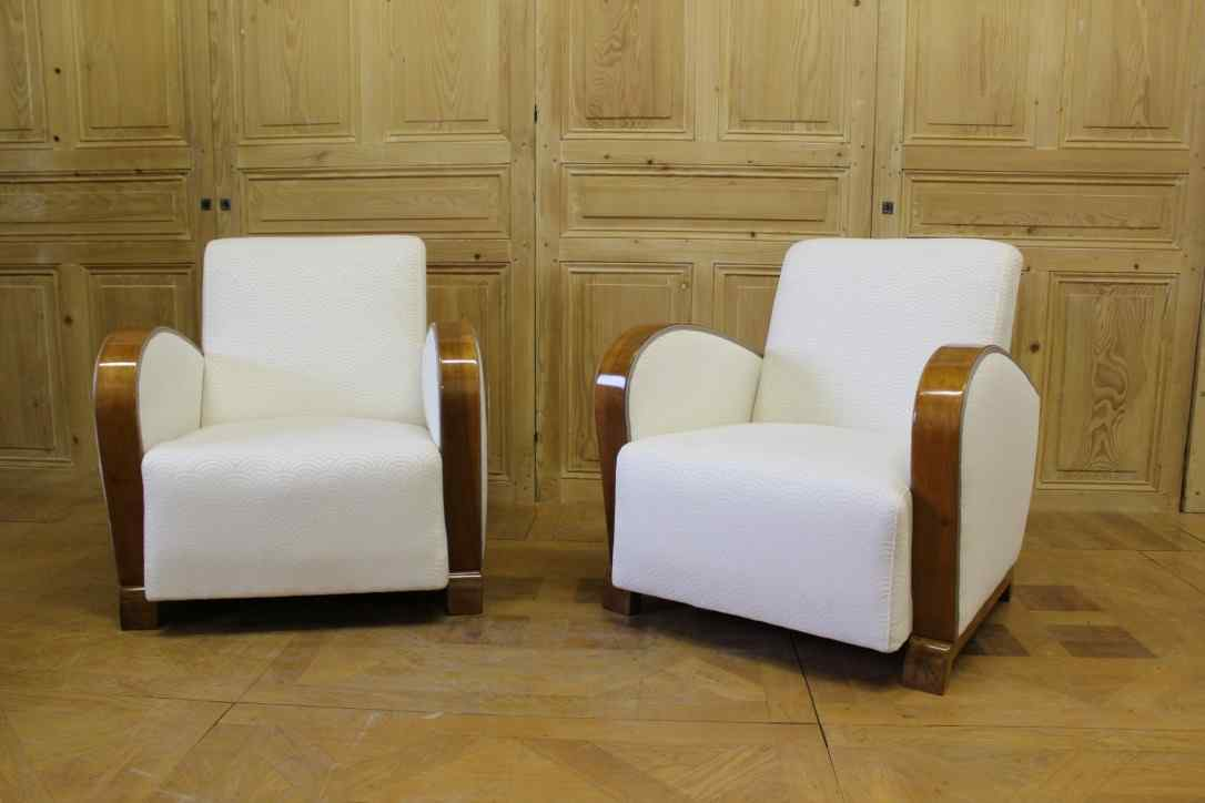 Pair of Art Deco armchairs in walnut