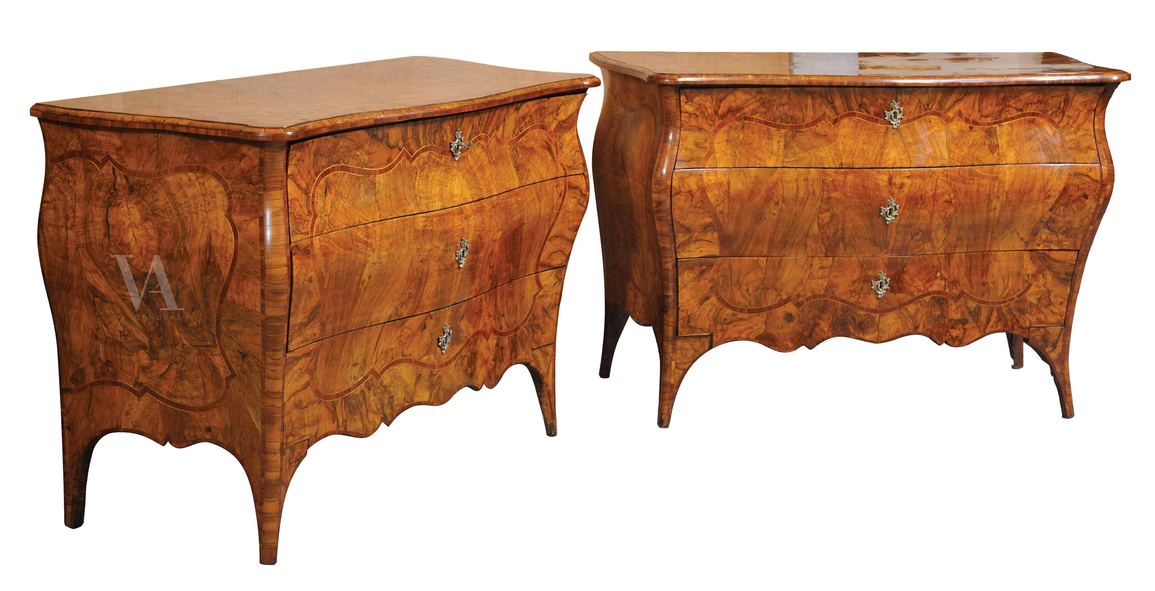 Pair of important chest of drawers, Lombardy sec. XVIII