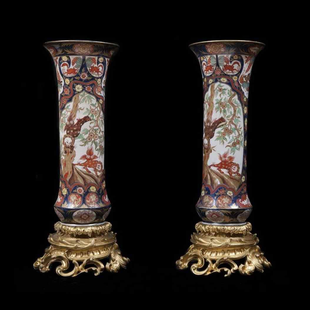 Пара восточных ваз