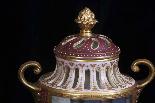 Пара изготовления девятнадцатого века вазы Вены рано-2