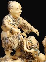 Saggio con bambino Avorio Antico Fine XIX secolo-2