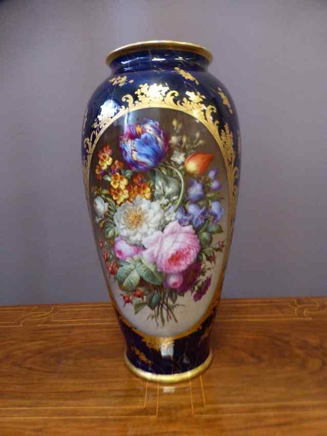 Important Porcelain Vase