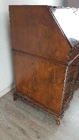dresser with antique flap, first half of the eighteenth cent-3