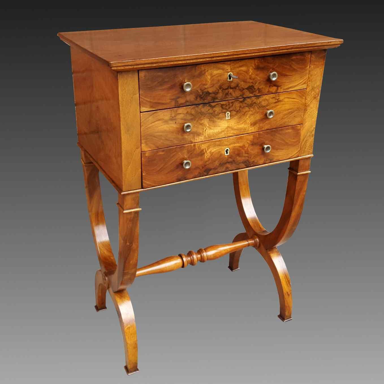 Antico Tavolino Comodino Impero in noce - XIX secolo