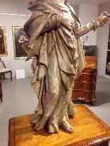 Madonna Antica in legno intagliato-6