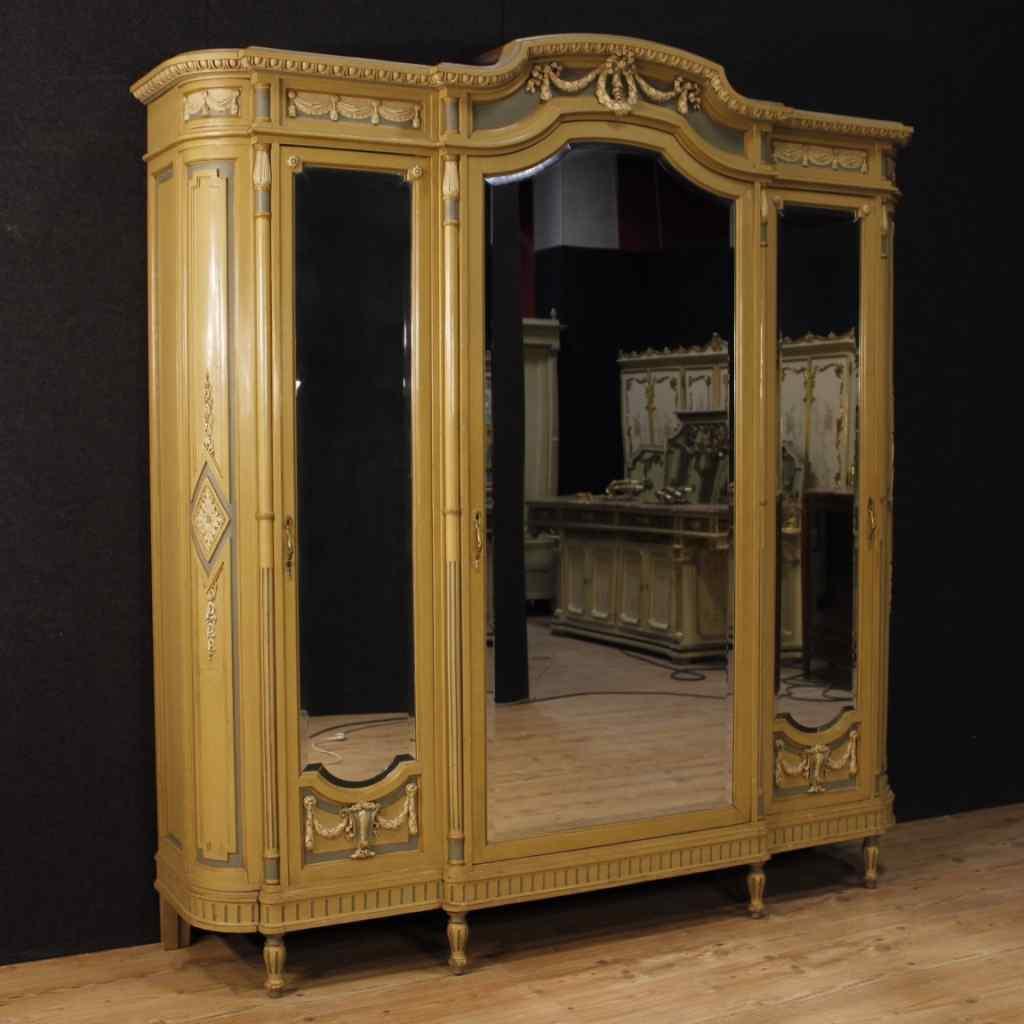 Armadio italiano laccato in stile Luigi XVI :: AnticSwiss