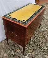 Paire d'importantes commodes Louis XVI. Dessus en marbre-3