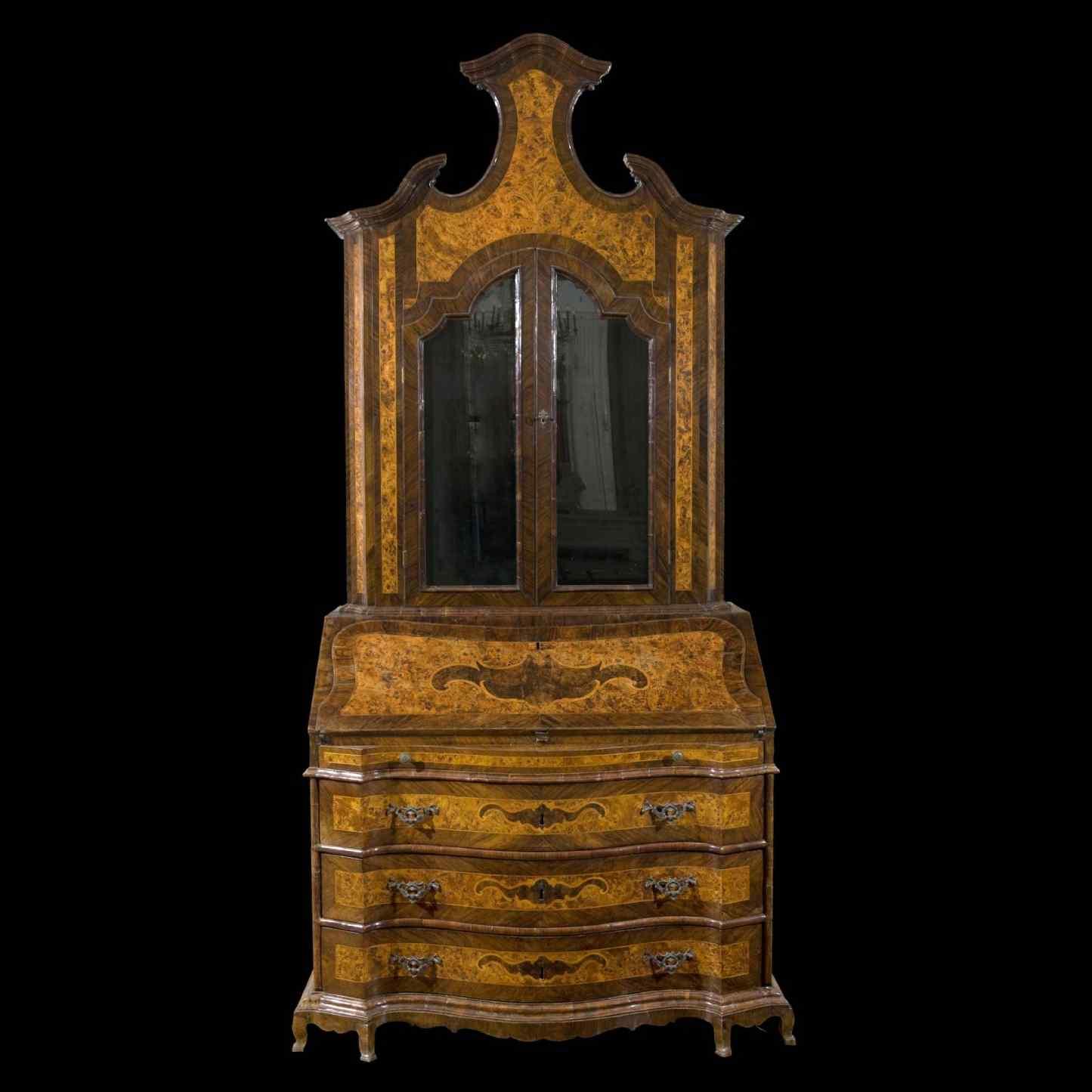 Commode avec vitrine du 18ème siècle