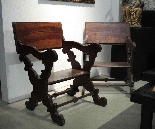 Pair of scissor armchairs, Tuscany, 17th century-1