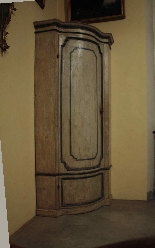 Lacquered corner, Veneto, '700-2